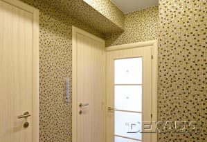 Маленький коридорчик перед входом в ванну и туалет. Характерен для квартир в домах серии П-44Т