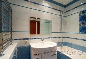 Так выглядит ванна с большим количеством горизонтальных бордюров