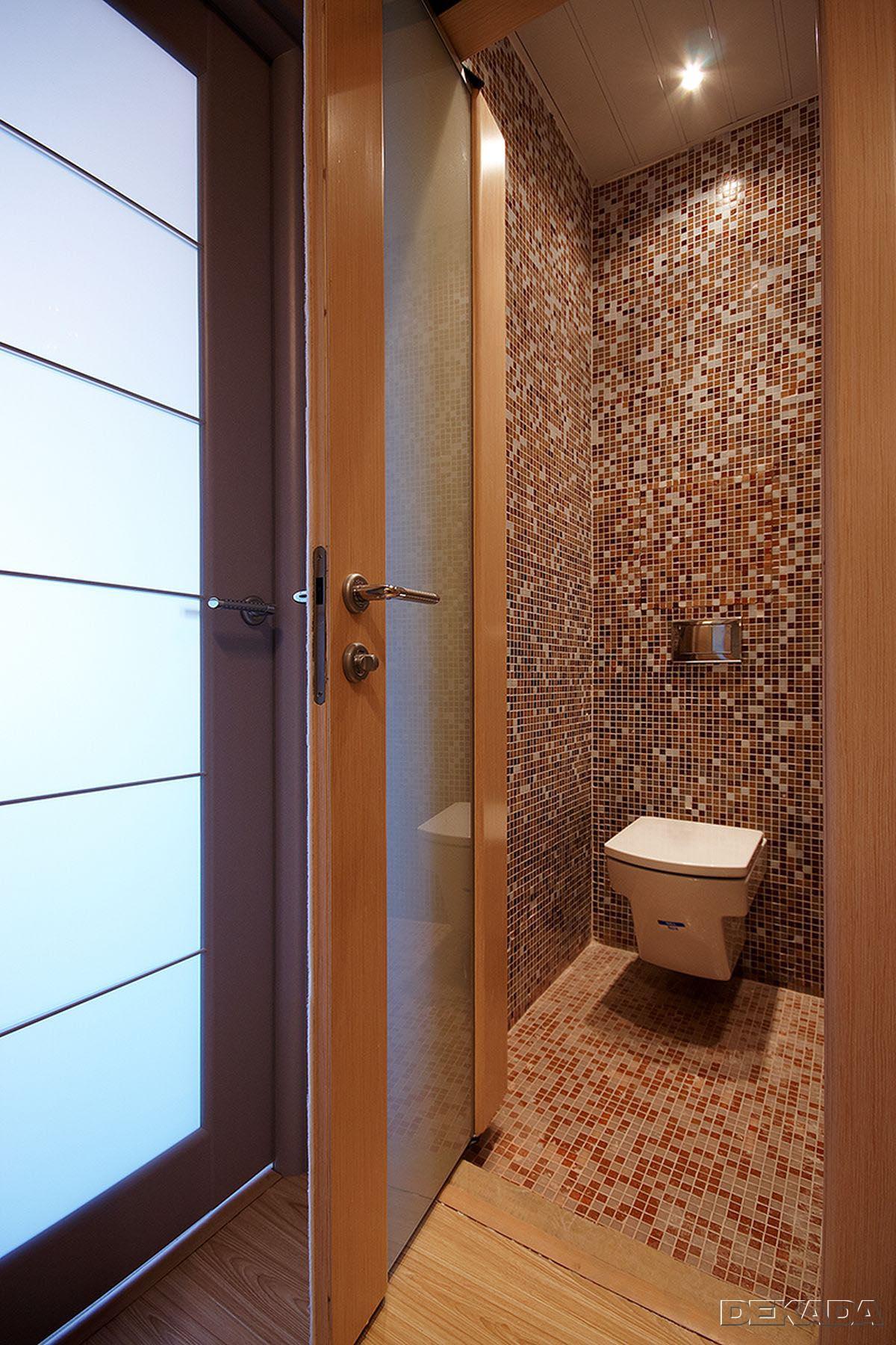 Ремонт мозаикой в туалете